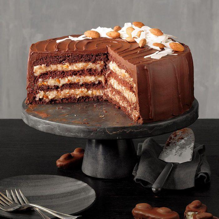 candy copycat recipes - Coconut And Almond Chocolate Cake Exps Tohon21 78331 E06 16 5b V2