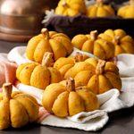 Pumpkin-Shaped Rolls