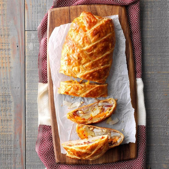 Bacon Onion And Apple Strudel  Exps Rc21 261827 4g07 16 9b