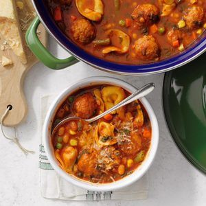 Easy Dutch Oven Minestrone Soup